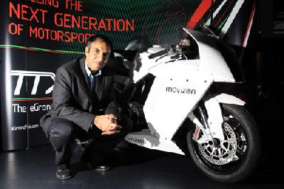 Azhar Hussain With The Mavizen TTX02